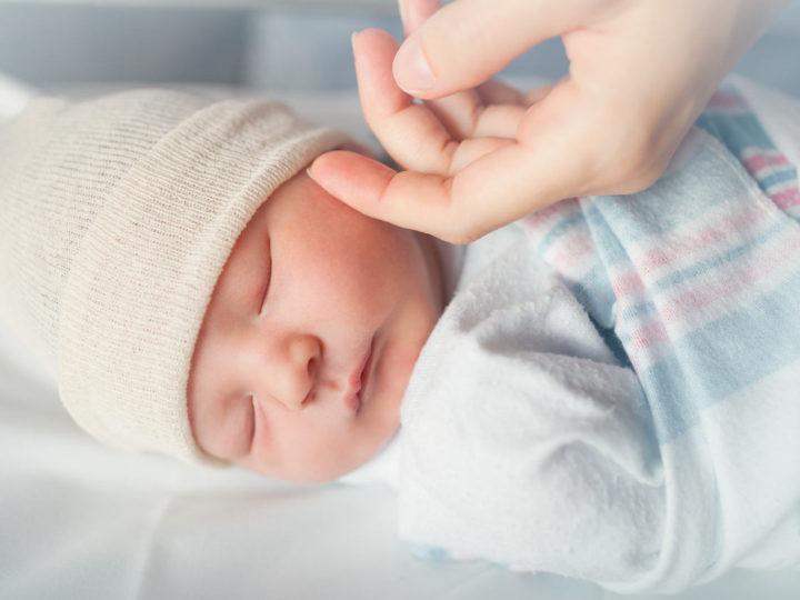 Votre bébé ne dort pas ? Avez-vous songé à rencontrer une spécialiste du sommeil ?